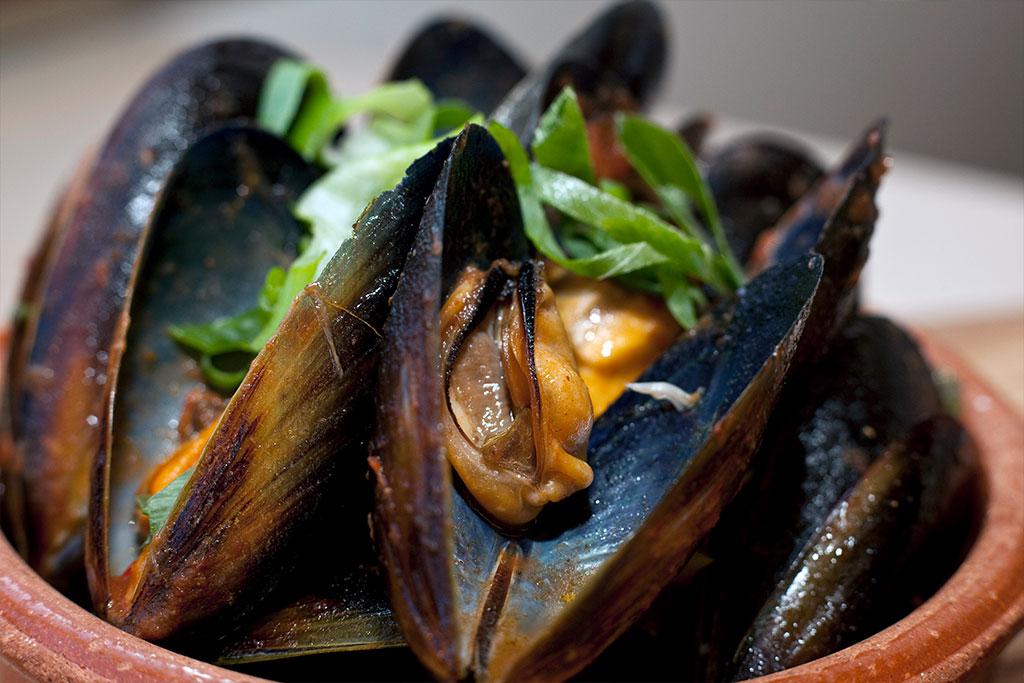 Moorish Moroccan Spiced Mussels – Alegria